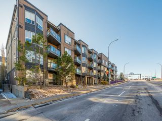 Photo 1: 207 2420 34 Avenue SW in Calgary: South Calgary Apartment for sale : MLS®# C4274549