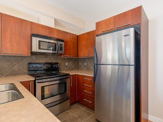 Photo 5: 207 2420 34 Avenue SW in Calgary: South Calgary Apartment for sale : MLS®# C4274549