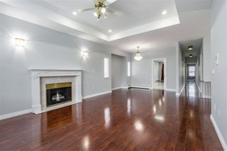 Photo 2: 2551 DAVIES Avenue in Port Coquitlam: Central Pt Coquitlam House for sale : MLS®# R2458460