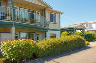 Photo 3: 224 Bowlsby St in : Na South Nanaimo Row/Townhouse for sale (Nanaimo)  : MLS®# 854640