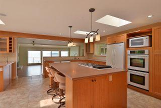 Photo 5: 4957 SUNSHINE COAST HIGHWAY in Sechelt: Sechelt District House for sale (Sunshine Coast)  : MLS®# R2496030