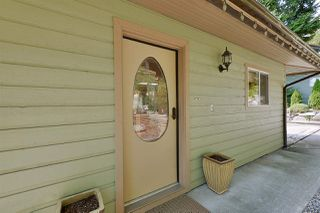 Photo 2: 4957 SUNSHINE COAST HIGHWAY in Sechelt: Sechelt District House for sale (Sunshine Coast)  : MLS®# R2496030