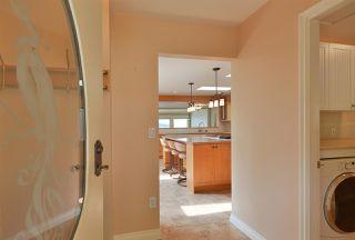 Photo 3: 4957 SUNSHINE COAST HIGHWAY in Sechelt: Sechelt District House for sale (Sunshine Coast)  : MLS®# R2496030
