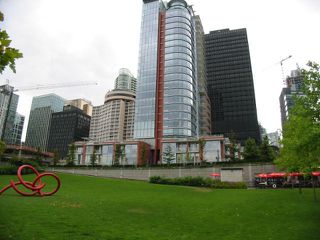 """Photo 3: 702 1169 W Cordova Street in Vancouver: Coal Harbour Condo for sale in """"Harbour Green One"""" (Vancouver West)  : MLS®# V863859"""