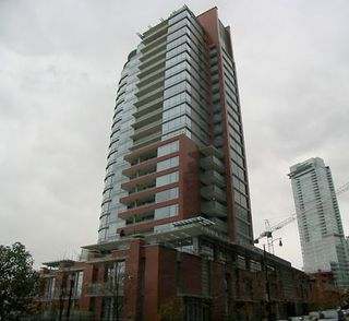 """Photo 2: 702 1169 W Cordova Street in Vancouver: Coal Harbour Condo for sale in """"Harbour Green One"""" (Vancouver West)  : MLS®# V863859"""