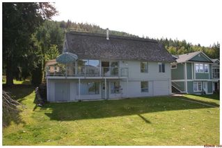 Photo 3: 3517 Eagle Bay Road in Eagle Bay: Waterfront Residential Detached for sale : MLS®# 10043461