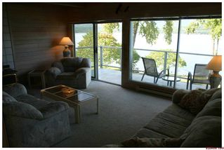 Photo 32: 3517 Eagle Bay Road in Eagle Bay: Waterfront Residential Detached for sale : MLS®# 10043461