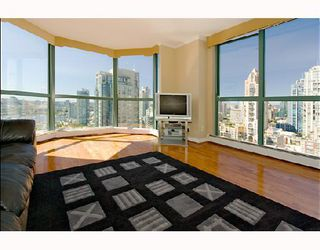 "Photo 2: 1905 212 DAVIE Street in Vancouver: Downtown VW Condo for sale in ""PARKVIEW GARDENS"" (Vancouver West)  : MLS®# V666311"