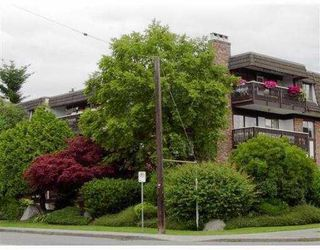 "Photo 6: 302 1610 CHESTERFIELD AV in North Vancouver: Central Lonsdale Condo for sale in ""CANTERBURY HOUSE"" : MLS®# V606370"