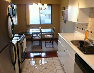 "Photo 4: 302 1610 CHESTERFIELD AV in North Vancouver: Central Lonsdale Condo for sale in ""CANTERBURY HOUSE"" : MLS®# V606370"