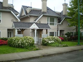 Photo 2: # 104 225 E 6th Street in North Vancouver: Lower Lonsdale Townhouse for sale : MLS®# V709789