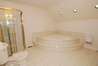 Photo 8: 24 500 LESSARD Drive in Edmonton: Zone 20 Townhouse for sale : MLS®# E4170355