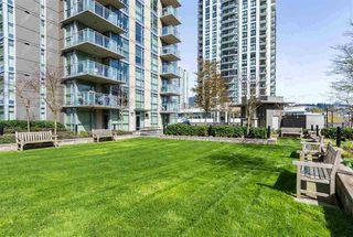 Photo 15: 2103 3008 GLEN Drive in Coquitlam: North Coquitlam Condo for sale : MLS®# R2404223