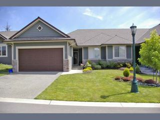 Photo 1: 912 BRULETTE PLACE in MILL BAY: Residential for sale (#27)  : MLS®# 280527