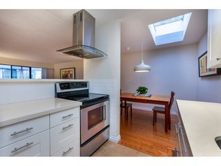 """Photo 1: 301 1554 GEORGE Street: White Rock Condo for sale in """"GEORGIAN"""" (South Surrey White Rock)  : MLS®# R2424857"""