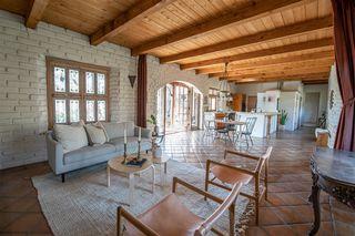Photo 8: JAMUL House for sale : 4 bedrooms : 21080 Deerhorn Oak