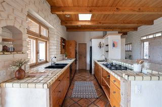 Photo 9: JAMUL House for sale : 4 bedrooms : 21080 Deerhorn Oak