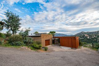 Photo 3: JAMUL House for sale : 4 bedrooms : 21080 Deerhorn Oak