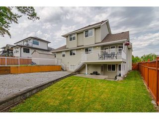 """Photo 20: 19040 60 Avenue in Surrey: Cloverdale BC House for sale in """"Cloverdale"""" (Cloverdale)  : MLS®# R2455554"""