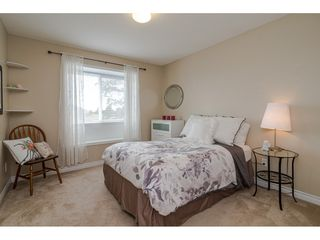 """Photo 15: 19040 60 Avenue in Surrey: Cloverdale BC House for sale in """"Cloverdale"""" (Cloverdale)  : MLS®# R2455554"""
