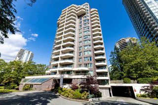 Photo 1: 506 5790 PATTERSON Avenue in Burnaby: Metrotown Condo for sale (Burnaby South)  : MLS®# R2465376