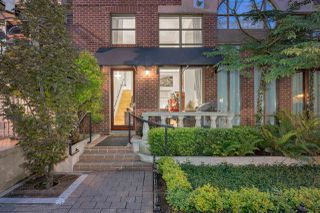 "Photo 2: 1250 RICHARDS Street in Vancouver: Yaletown Townhouse for sale in ""The Grace"" (Vancouver West)  : MLS®# R2472644"