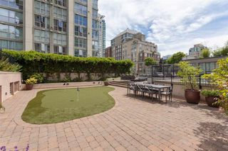 """Photo 18: 1250 RICHARDS Street in Vancouver: Yaletown Townhouse for sale in """"The Grace"""" (Vancouver West)  : MLS®# R2472644"""