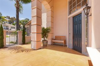 Photo 4: AVIARA House for sale : 5 bedrooms : 7186 Tern Pl in Carlsbad