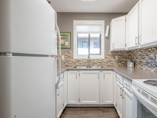 Photo 10: 30 211 Buttertubs Pl in : Na University District Row/Townhouse for sale (Nanaimo)  : MLS®# 857241