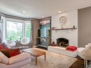 Photo 2: 30 211 Buttertubs Pl in : Na University District Row/Townhouse for sale (Nanaimo)  : MLS®# 857241