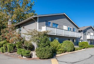 Photo 1: 30 211 Buttertubs Pl in : Na University District Row/Townhouse for sale (Nanaimo)  : MLS®# 857241