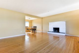 """Photo 5: 312 WELLS GRAY Place in New Westminster: The Heights NW House for sale in """"The Heights"""" : MLS®# R2506868"""
