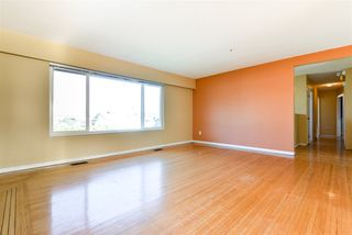 """Photo 6: 312 WELLS GRAY Place in New Westminster: The Heights NW House for sale in """"The Heights"""" : MLS®# R2506868"""