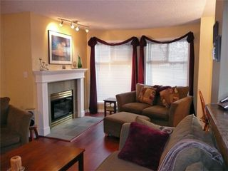 Photo 2: 894 Vernon Ave in Victoria: Residential for sale (205)  : MLS®# 270846