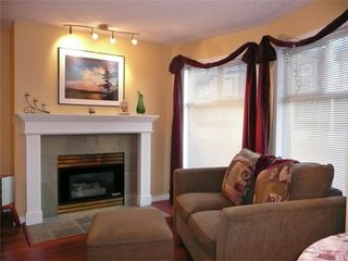 Photo 4: 894 Vernon Ave in Victoria: Residential for sale (205)  : MLS®# 270846