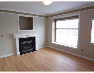 Photo 2: 2245 DUNDAS Street in Vancouver: Hastings House 1/2 Duplex for sale (Vancouver East)  : MLS®# V639679