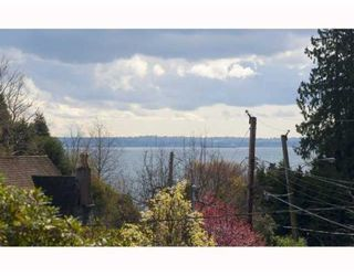 Photo 10: 4391 ERWIN DR in West Vancouver: House for sale