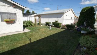 Photo 3: 34 Ellington Street in Winnipeg: West Kildonan / Garden City Residential for sale ()