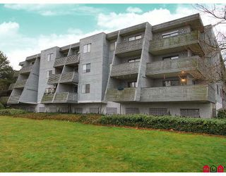 "Photo 1: 106 17661 58A Avenue in Surrey: Cloverdale BC Condo for sale in ""Wyndham Estates"" (Cloverdale)  : MLS®# F2805618"