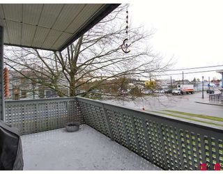 "Photo 10: 106 17661 58A Avenue in Surrey: Cloverdale BC Condo for sale in ""Wyndham Estates"" (Cloverdale)  : MLS®# F2805618"