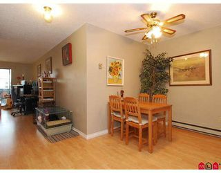 "Photo 5: 106 17661 58A Avenue in Surrey: Cloverdale BC Condo for sale in ""Wyndham Estates"" (Cloverdale)  : MLS®# F2805618"