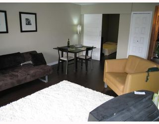 "Photo 2: 204 2777 OAK Street in Vancouver: Fairview VW Condo for sale in ""TWELVE OAKS"" (Vancouver West)  : MLS®# V710371"