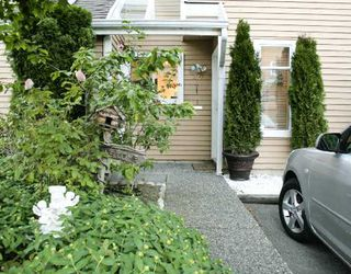 "Photo 1: 40 7400 MINORU Boulevard in Richmond: Brighouse South Townhouse for sale in ""MINORU ESTATES"" : MLS®# V716016"