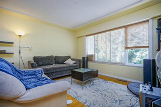 Photo 3: 2536 E 29TH Avenue in Vancouver: Collingwood VE House for sale (Vancouver East)  : MLS®# R2399407