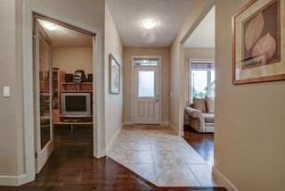 Photo 5: 925 ARMITAGE Court in Edmonton: Zone 56 House for sale : MLS®# E4173629