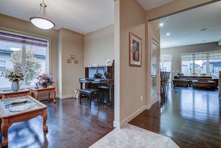 Photo 4: 925 ARMITAGE Court in Edmonton: Zone 56 House for sale : MLS®# E4173629