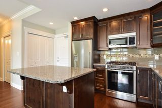 Photo 4: 301 15336 17A AVENUE in Surrey: King George Corridor Condo for sale (South Surrey White Rock)  : MLS®# R2386541