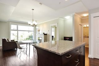 Photo 5: 301 15336 17A AVENUE in Surrey: King George Corridor Condo for sale (South Surrey White Rock)  : MLS®# R2386541