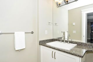 Photo 10: 301 15336 17A AVENUE in Surrey: King George Corridor Condo for sale (South Surrey White Rock)  : MLS®# R2386541