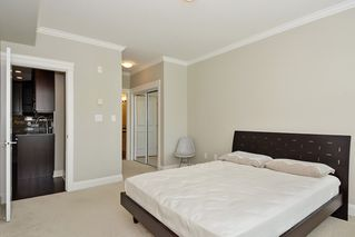 Photo 13: 301 15336 17A AVENUE in Surrey: King George Corridor Condo for sale (South Surrey White Rock)  : MLS®# R2386541